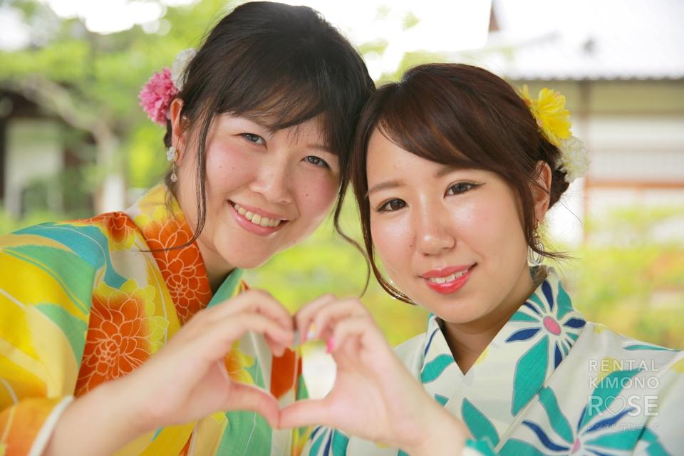 写真:仲良し女子旅はブランド浴衣で京都・東山ロケ撮影