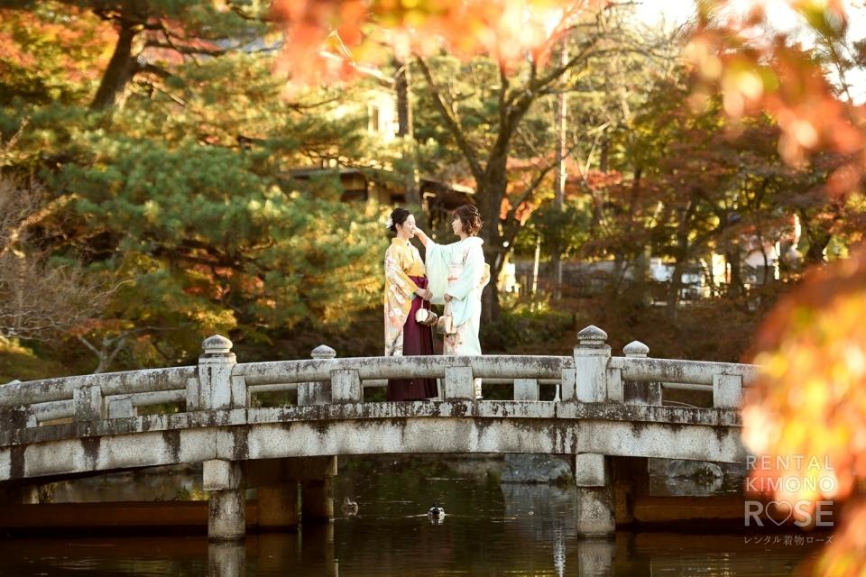 写真:卒業記念・前撮りに円山公園と東山で卒業袴レンタルロケ撮影