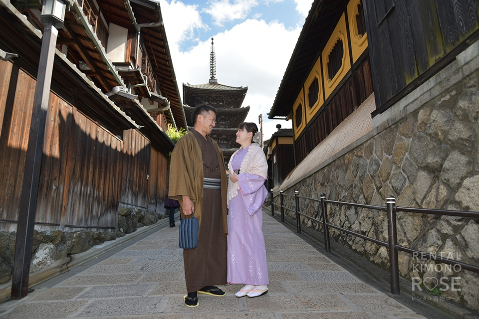 写真:ご夫婦でのロケーション撮影八坂の塔