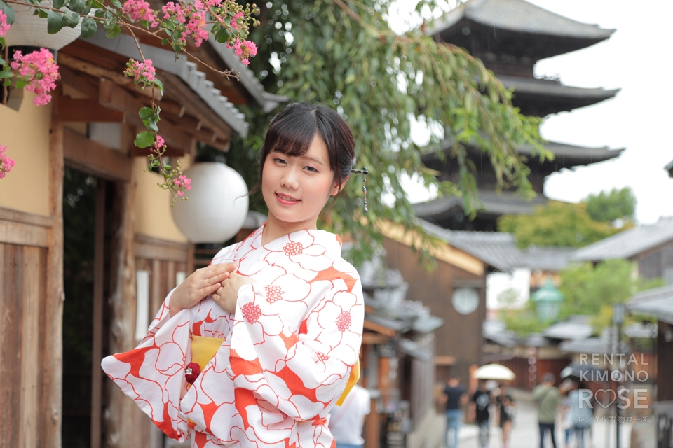 写真:雨の京都を浴衣でしっとり☆
