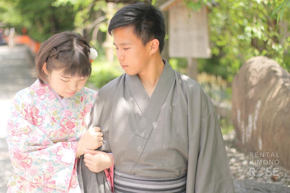 写真:仲良しカップル様と着物でサプライズ祇園ロケ撮影